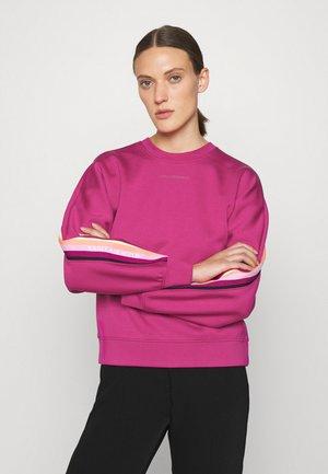 DOUBLE JERSEY TAPE SWEATSHIRT - Športni pulover - fuchsia