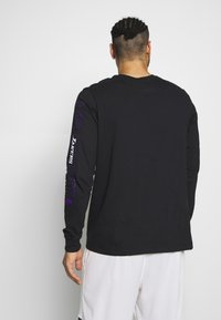 Nike Performance - NBA LOS ANGELES LAKERS LONG SLEEVE - Equipación de clubes - black - 2