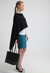 comma - PONCHO - Cape - dark blue - 1