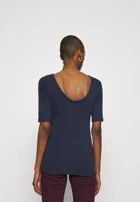GAP - MOD BALLET - Basic T-shirt - true indigo - 2