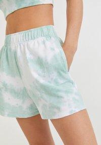PULL&BEAR - Shorts - off-white - 3