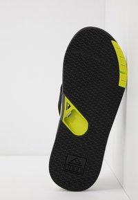 Reef - FANNING LOW - Sandály s odděleným palcem - grey/lime - 4