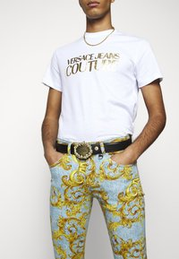 Versace Jeans Couture - Pasek - black/gold - 1