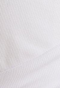 Cotton On Body - TWIST TANK - Topper - white - 2