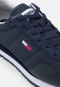 Tommy Jeans - LIFESTYLE MIX RUNNER - Baskets basses - twilight navy - 5