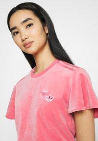 adidas Originals - Print T-shirt - hazy rose - 3