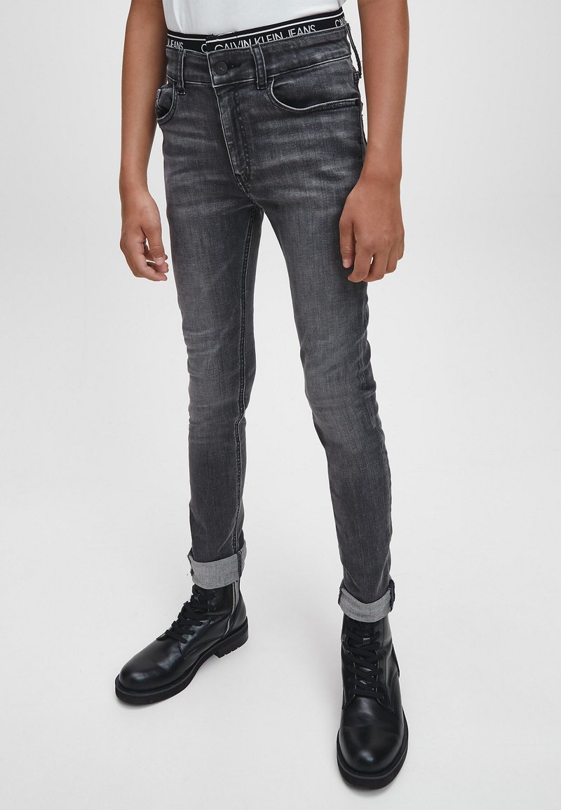 Calvin Klein Jeans - Jeans Skinny Fit - infinite elas grey stretch