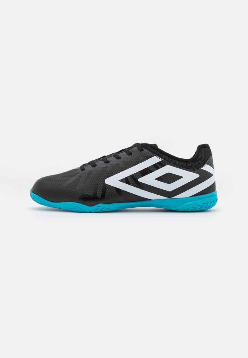 Umbro - VELOCITA VI CLUB IC - Indoor football boots - black/white/cyan blue