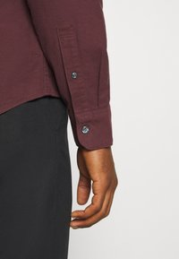 Abercrombie & Fitch - SIGNATURE SOLID OXFORD - Shirt - burg - 5