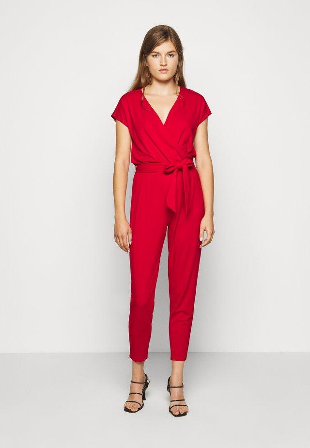 Jumpsuit - orient red