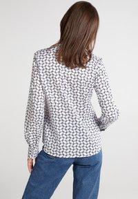 Eterna - FITTED WAIST - Button-down blouse - weiß/schwarz - 1