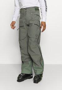 Norrøna - LOFOTEN GORE TEX PRO PANTS - Pantaloni da neve - grey - 0
