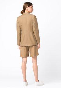 HALLHUBER - Short coat - camel - 1