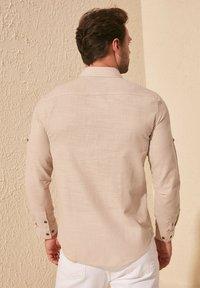 Trendyol - Skjorta - beige - 1