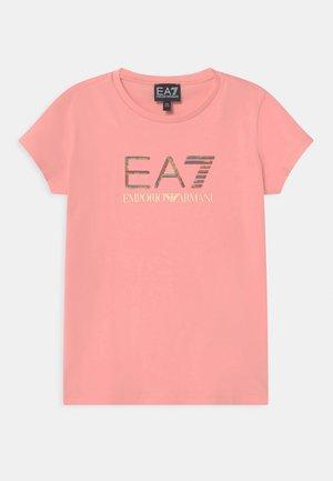 EA7  - Triko spotiskem - light pink