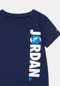 Jordan - JUMPMAN SET UNISEX - Print T-shirt - carbon heather - 3