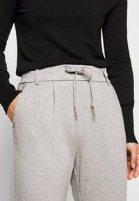 ONLY Petite - ONLPOPTRASH EASY COLOUR PANT - Trousers - light grey melange - 4