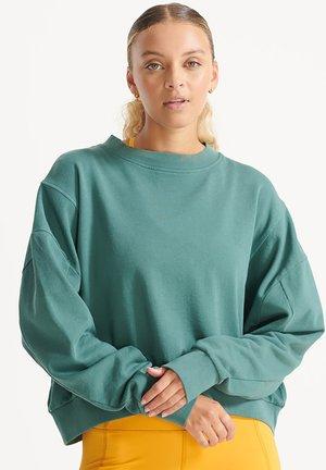 FLEX BATWING CREW  - Sweatshirt - silver pine