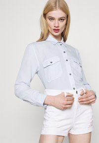 American Eagle - CORE MILITARY - Button-down blouse - ice blue - 3