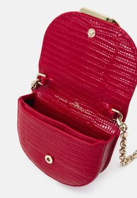 3.1 Phillip Lim - ALIX MINI CARDCASE ON CHAIN - Wallet - mars red - 2