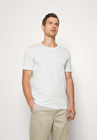 Selected Homme - SLHTHEPERFECT ONECK TEE  - T-paita - glacier - 0