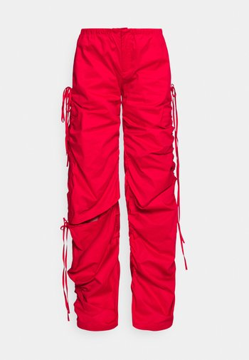 WIDE LEG CARGO TROUSER WITH CUT OUT - Trousers - red