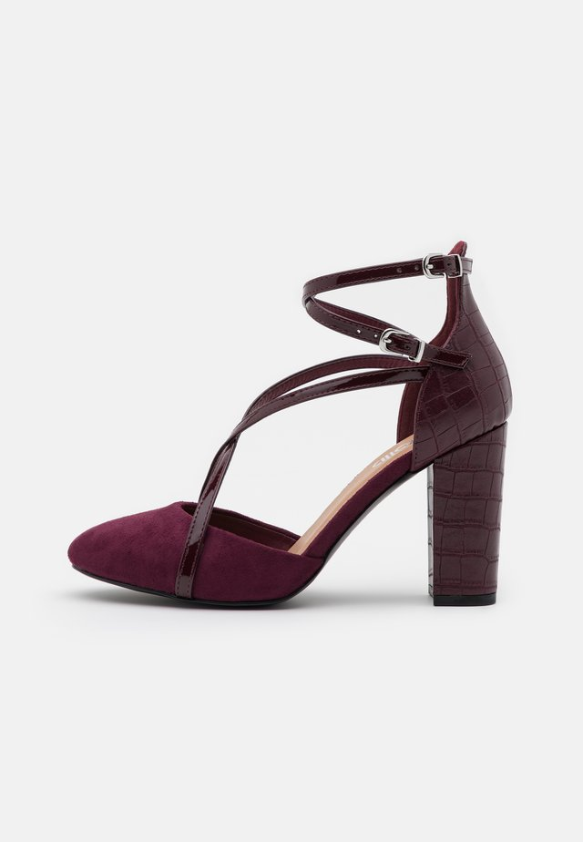 CASH - High heels - berry