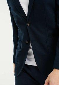 WE Fashion - SLIM FIT  - Sako - dark blue - 4