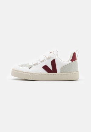SMALL V 10 UNISEX - Zapatillas - white marsala
