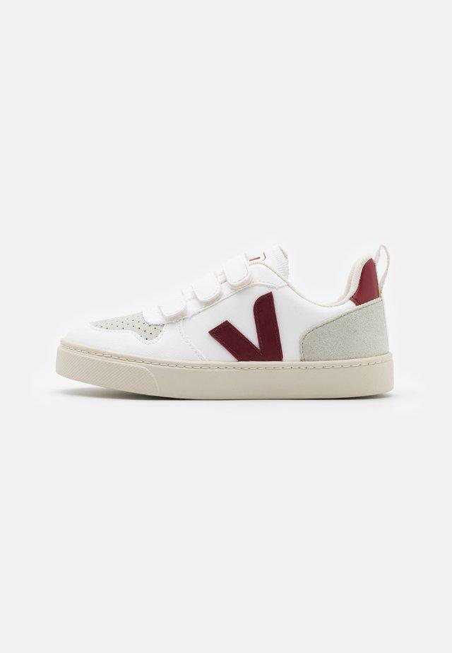 SMALL V 10 UNISEX - Sneaker low - white marsala