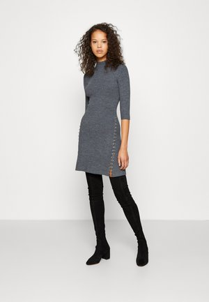 ROLEA - Pletené šaty - gris