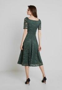 mint&berry - Cocktail dress / Party dress - laurel wreath - 3