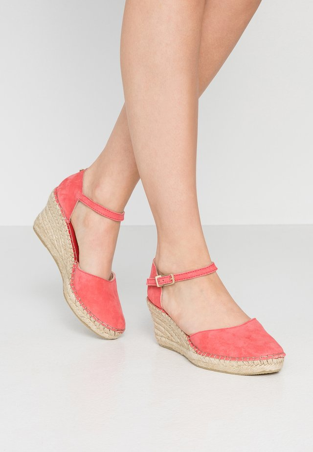 Scarpe con plateau - pink
