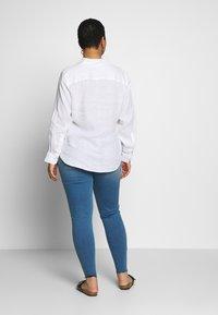 Lauren Ralph Lauren Woman - KARRIE LONG SLEEVE - Button-down blouse - white - 2