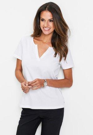 MIT PAILLETTENDET - T-shirt basic - weiß