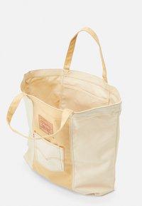 Levi's® - WOMENS TOTE - Bolso shopping - regular khaki - 2