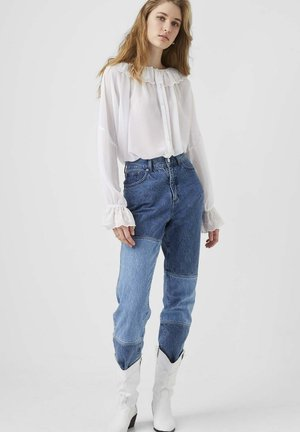 EWN GGT BROIDERY RUFFLE - Overhemdblouse - winter white