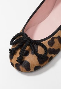 Pretty Ballerinas - TARZAN - Ballet pumps - arena - 2