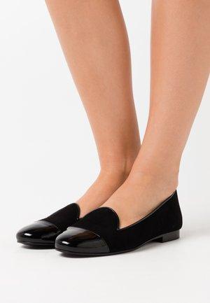 CLASSIC - Nazouvací boty - black
