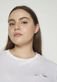 Ellesse - MADELENA - Print T-shirt - white - 5