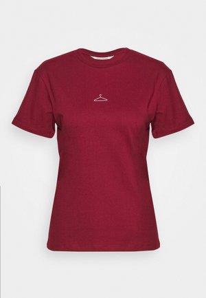 SUZANA TEE - T-shirts - bordeaux