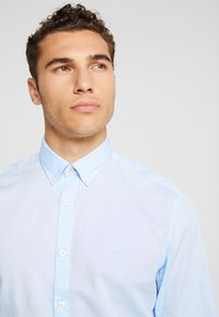 Marc O'Polo - FINE BEDFORD GARMENT DYED - Chemise - airblue - 3