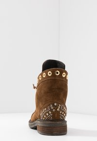 Alma en Pena - Lace-up ankle boots - camel - 5