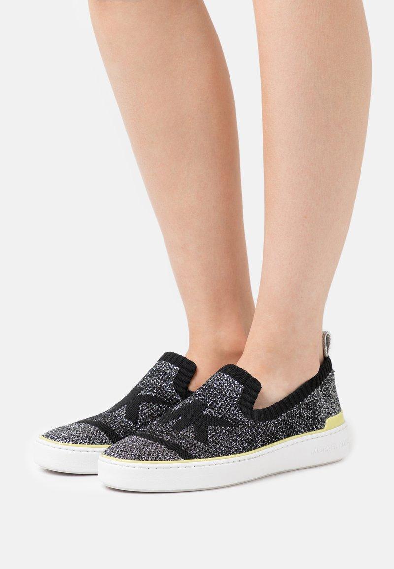 MICHAEL Michael Kors - SKYLER  - Sneakers laag - black/silver