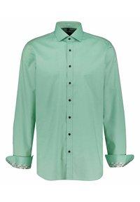 "OLYMP Level Five - LEVEL 5 BODYFIT EXTRA LANGE MOUW, MOUWLENGTE 7"" - Formal shirt - grün - 2"