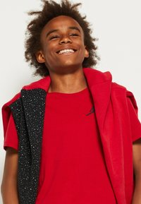 Jordan - JUMPMAN AIR - T-shirt con stampa - gym red - 4