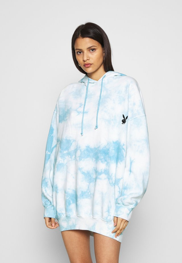 PLAYBOY OVERSIZED HOODY DRESS - Denní šaty - blue