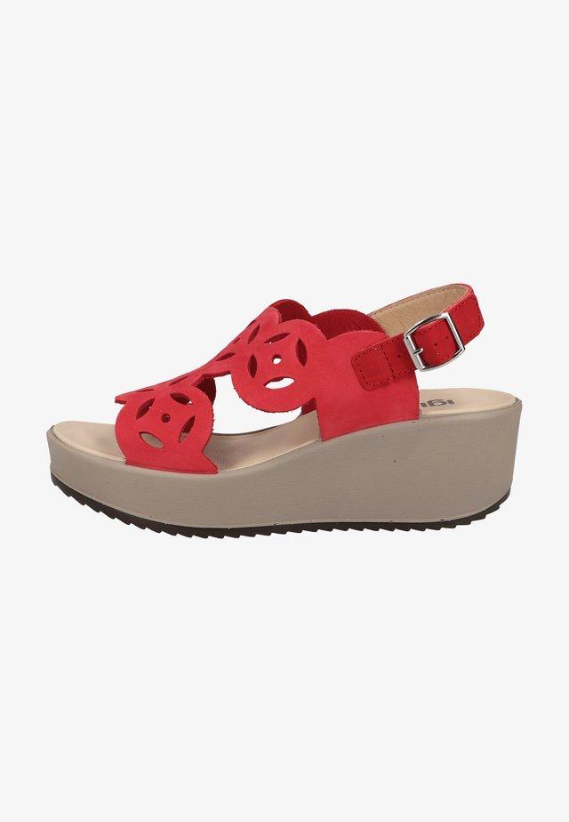 Sandały na platformie - rosso