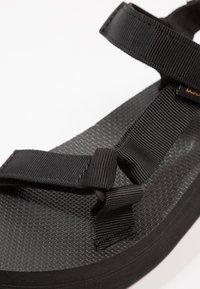 Teva - MIDFORM UNIVERSAL - Chodecké sandály - black - 5