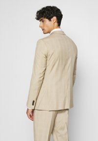 Esprit Collection - CHECK - Puku - camel - 3